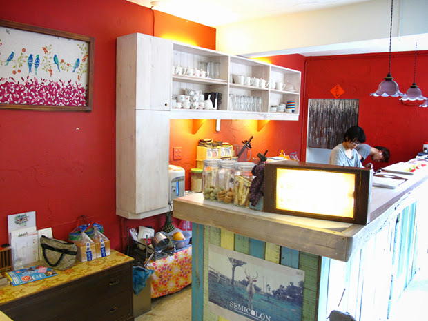 開放式的廚房讓人感覺安心,也顯現出老闆的自信-台中咖啡館-拾光機。壹号