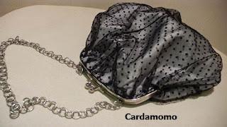Bolso de fiesta en tul plumeti de Cardamomo