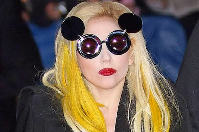 lady_gaga_wearing_flip_up_glasses