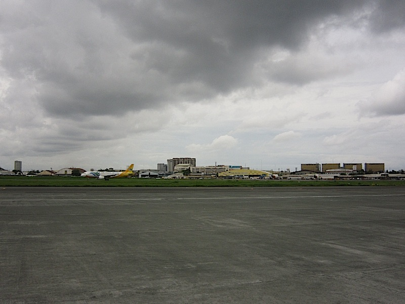 runway at the Ninoy Aquino International Airport