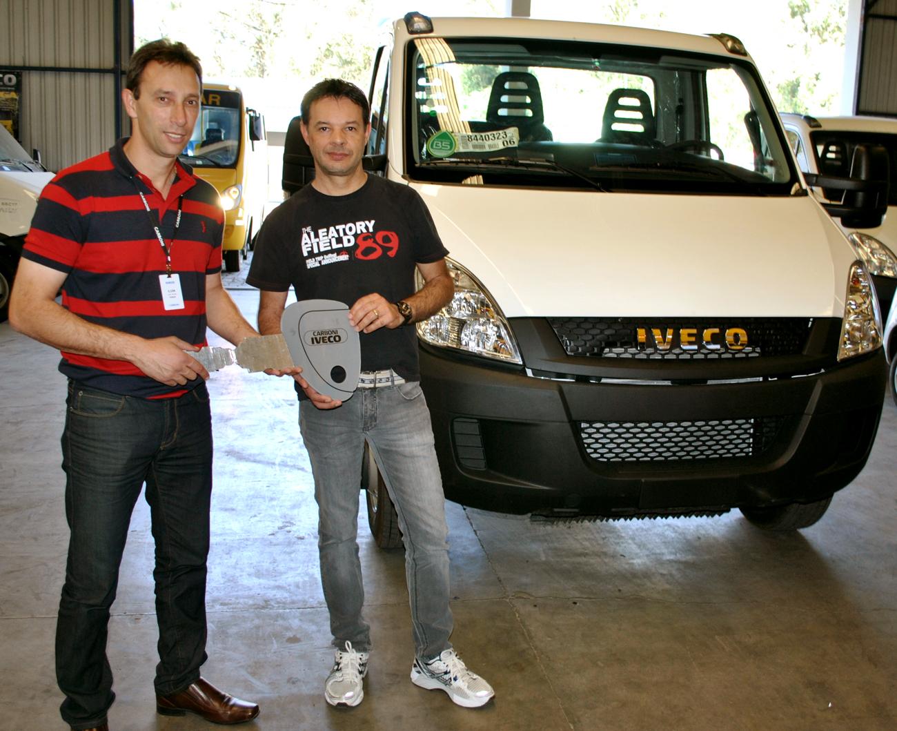 Loja de Móveis adquire veículo novo na Carboni Iveco de Videira DSC 0003