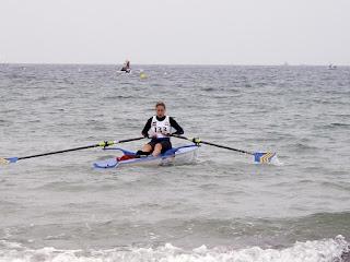 Globe 2000 : Pénélope Mercier, 30 ans, équipe de France junior d'aviron puis des moins de 23 ans, entraîneur d'aviron à la Société Nautique dela Basse-Seine (Courbevoie)