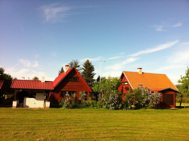 Lohu talu puhkemaja, telkimine, matkad kanuumatkad, suvepäevad, majutus Lõuna-Eestis