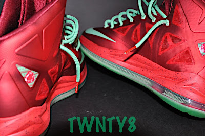 nike lebron 10 gr christmas ruby 3 05 Detailed Look at the Nike LeBron X Christmas / Ruby Edition