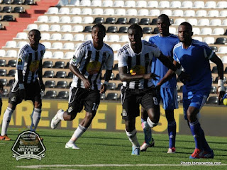 En short noir, les joeurs du TP Mazembe lors du match face à Don Bosco (Photo tpmazembe.com)