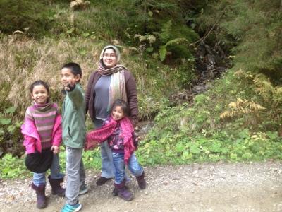 Hiking di Wurzelpark Arriach