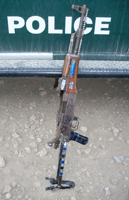 24  fusils qui venaient de Kaboul. - Page 2 BoltactionAK