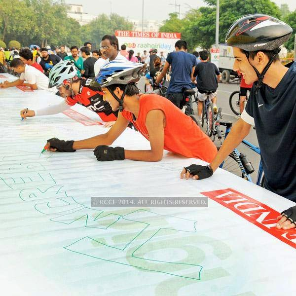Delhiites came out in greater numbers this Raahgiri Day to enjoy cycling, skating, zumba and football matches at CP. The second edition of Raahgiri Day saw a bigger turnout and a host of new activities to bring Delhiiites out and embrace the streets.
