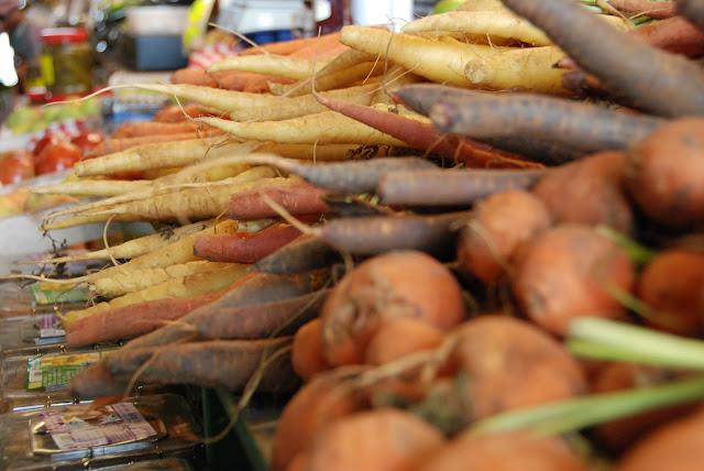shuk hanamal, tel aviv port, carrots