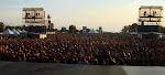 thats a big crowd, eh?
