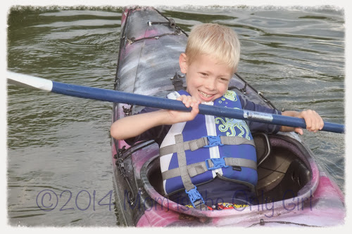 Cutie Pie Kayaking at https://momistheonlygirl.com