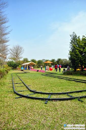 魔菇部落生態休閒農場親子小火車