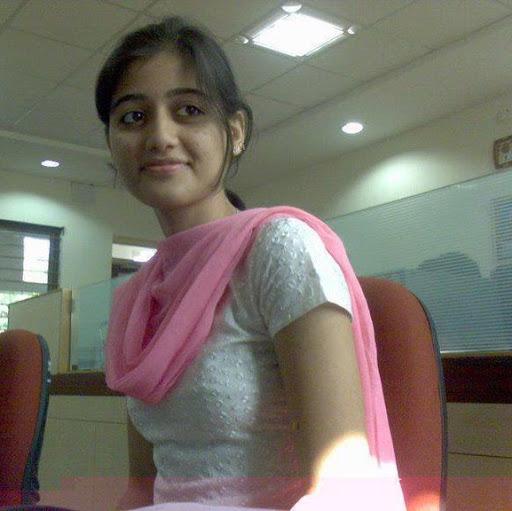Sameena Khan Photo 23