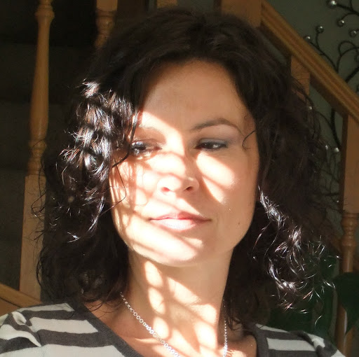 Angie Cherry Photo 16