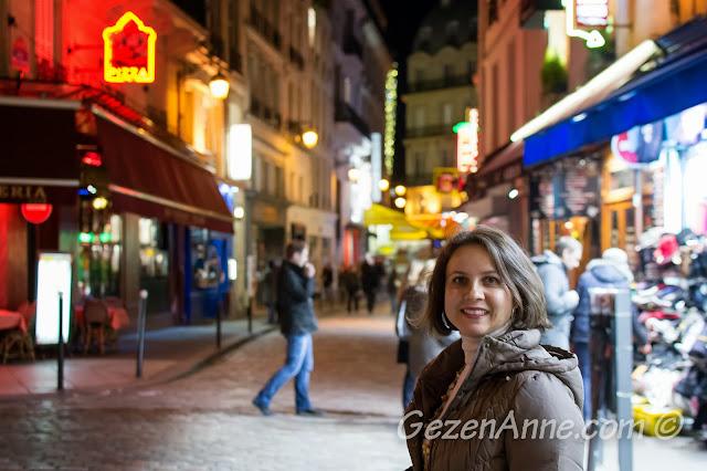 Paris Latin Quater'de dolaşırken