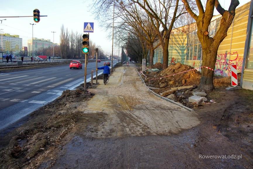 Nie będzie nawierzchni z kostki betonowej, wszystko zastąpi asfalt.