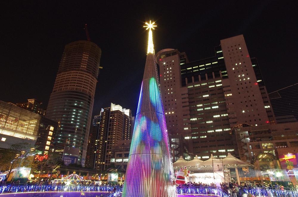 新北聖誕燈光秀...