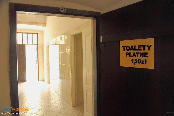 Klasztor Święty Krzyż - płatne toalety
