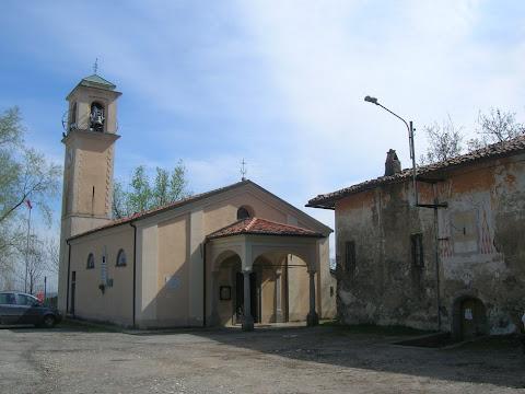 Consonno, la chiesa e la canonica