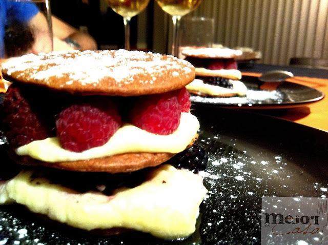 Milhojas de crema y frutos del bosque restaurante a domicilio Mejor en casa