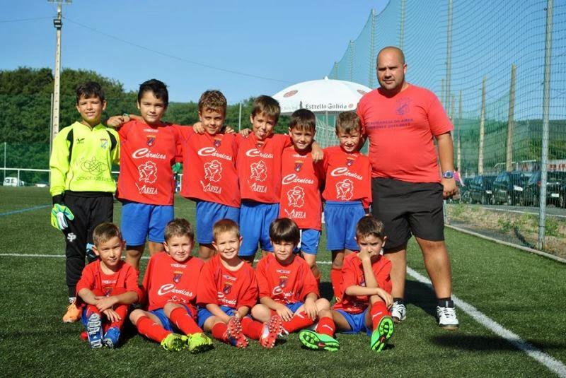 Equipo prebenxamín no Torneo de Verán da S.D. O Val (20/08/2014)