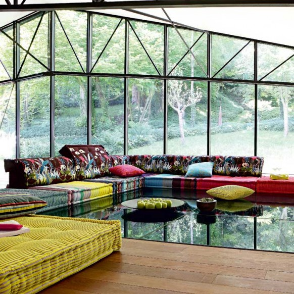 Modern Luxury Living Room With Colorful Sofa Set Elegant Coffee Table And Pillows