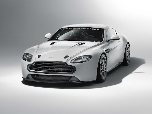 Aston_Martin_Vantage_GT4_2011_02_1024x768