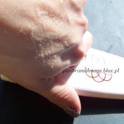 ziaja seria różana 30+ masło różane skwalan trójglicerydy kwasów tłuszczowych kaprylowego i kaprynowego olej z oliwek olej makadamia olej canola sól sodowa PCA hydroksyprolina masło shea witamina E prowitamina B5 filtry uv mleczko do demakijażu płyn micelarny maseczka młodości krem intensywnie nawilżający na dzień krem regenerująco łagodzący na dzień krem przeciw zmarszczkom na noc peelingz mikrogranulkami