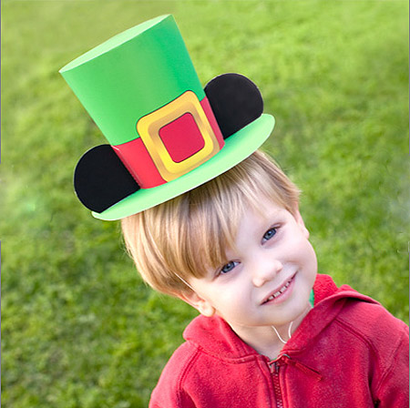 Disney 2012 St. Patrick's Day Papercraft Mickey Mouse Leprechaun Hat