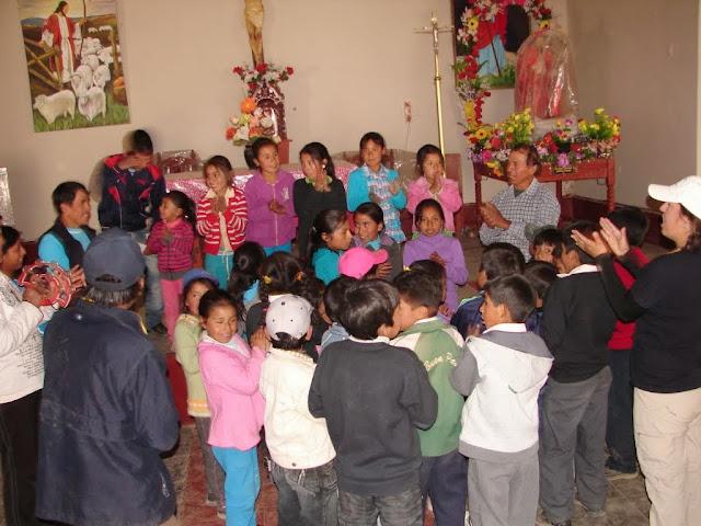 con niños en Campo Bello