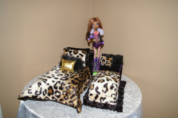 Monster High - Cama DIY