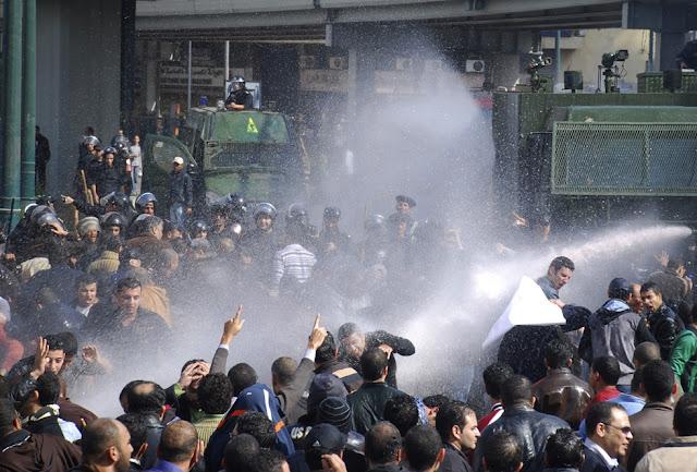 Egyptian Revolution شريف الحكيم Egypt_protest_36