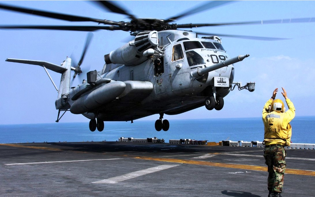 CH-53E Super Stallion Helicopter Wallpaper 4