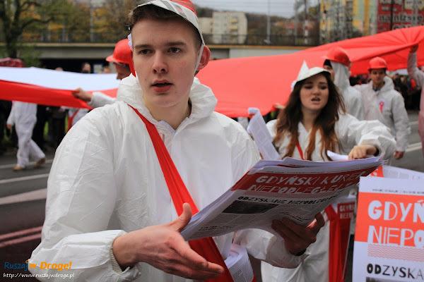 Biało-czerwona parada na Święto Niepodleglości w Gdyni