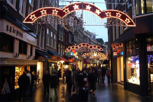 Amsterdam shopping street