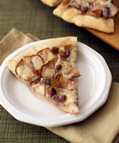 sliced pear dessert pizza
