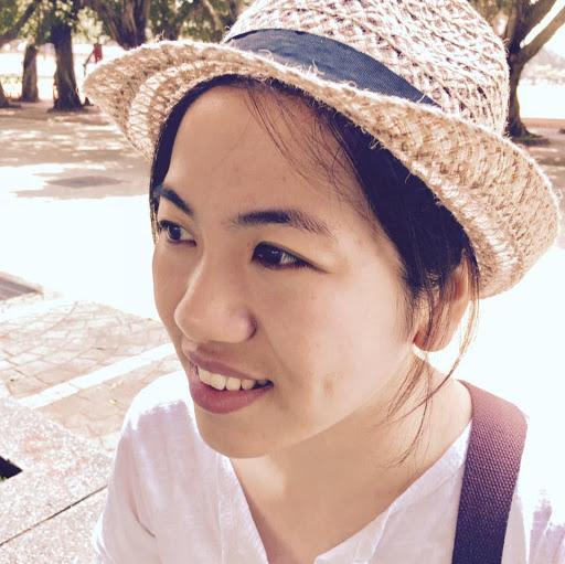 Demi Lee Photo 16