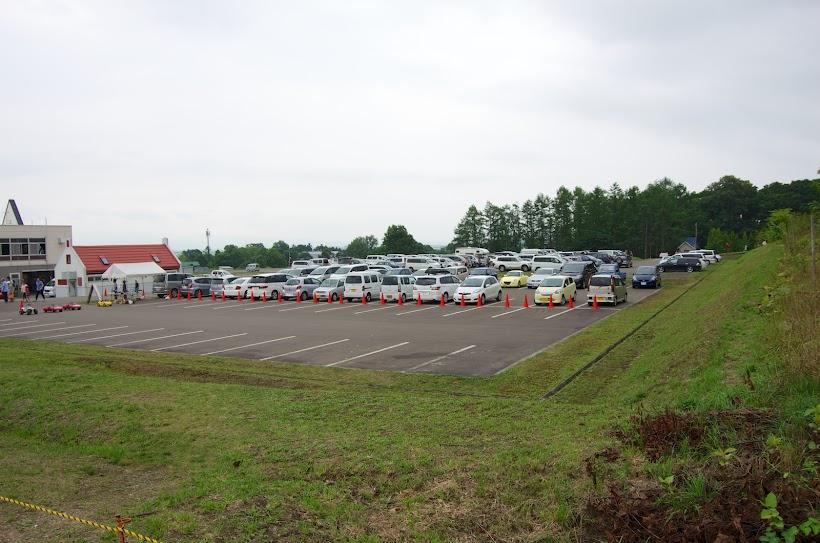 いっぱいの駐車場