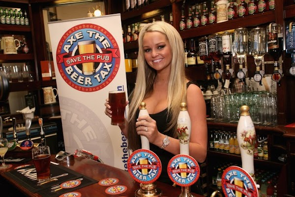 Jennifer Ellison Supports Beer And Pubs Campaign(celebrities-10photos)10