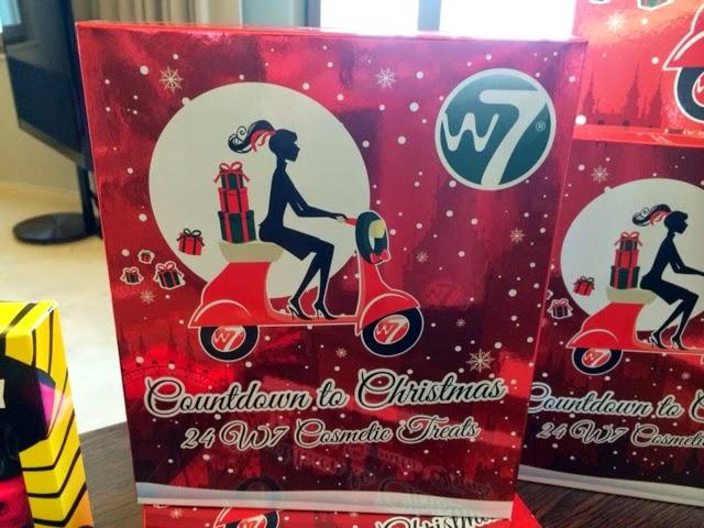w7-countdown-to-christmas-advent-calendar