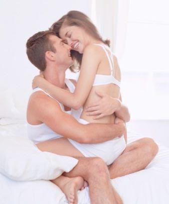 Membuat Wanita Mencapai Klimaks dan Orgasme dengan Posisi Seks Duduk