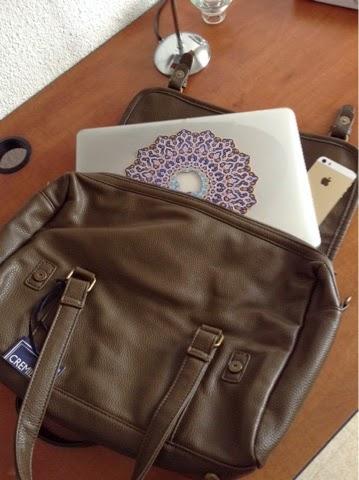 sac cremieux x Apple stor