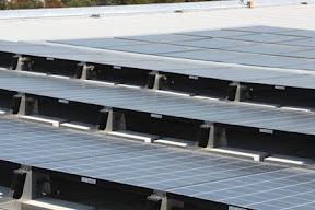 Los Paneles Solares También Mantienen Frescos Los Hogares