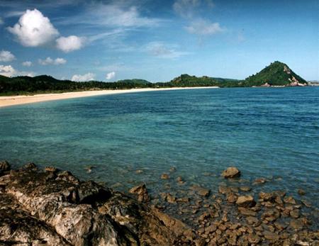 Panorama Indah Pantai Kuta Pulau Lombok