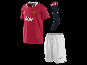 Voetbaltenues en shirts van Manchester United
