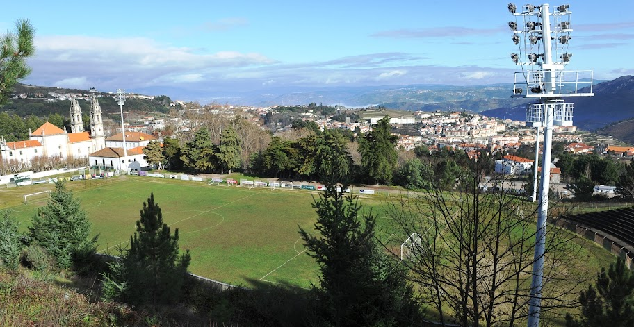 Câmara de Lamego assume gestão do estádio e do pavilhão do Complexo Desportivo