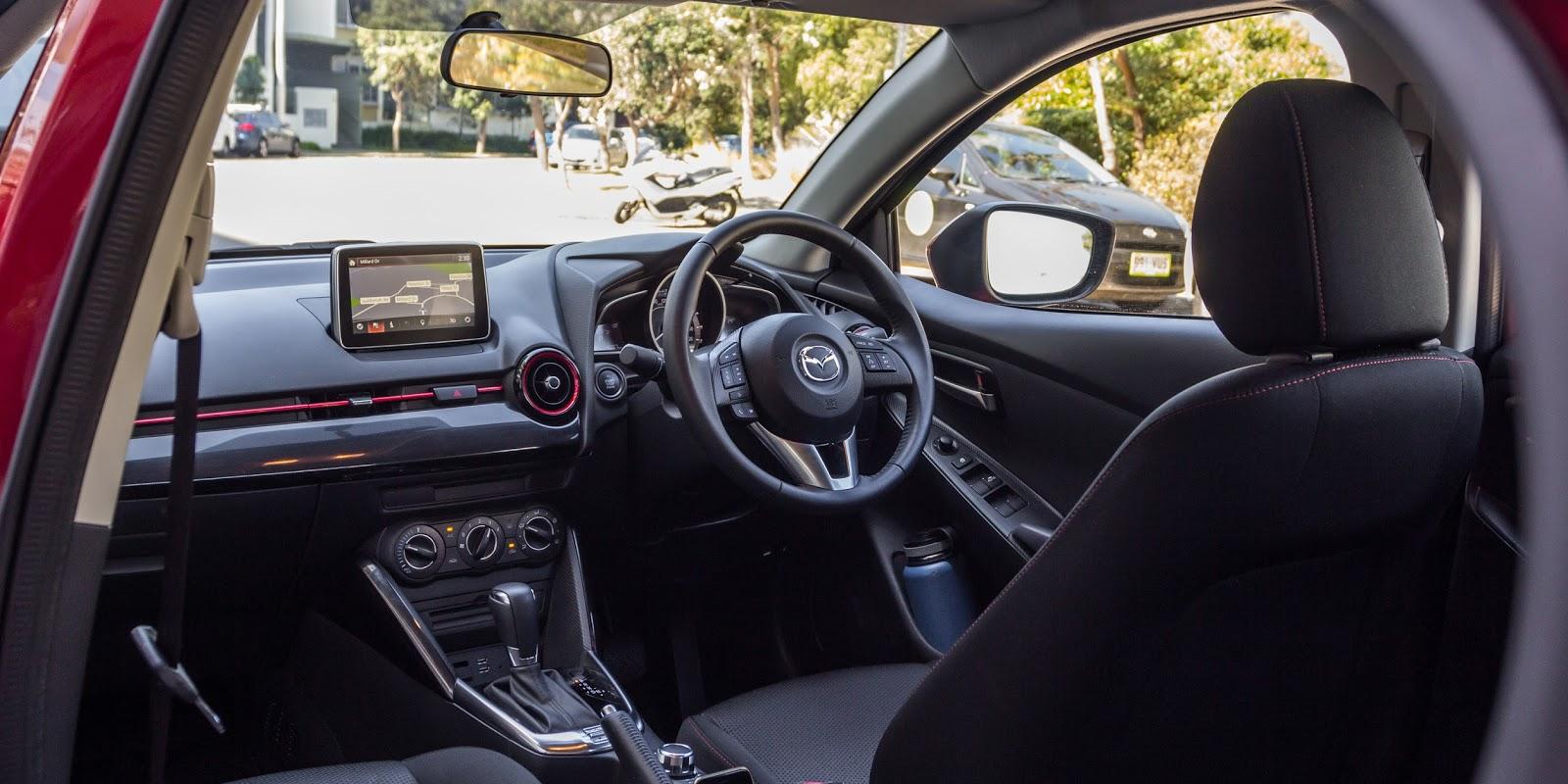 Mazda 2 2016 là chiếc xe có nội thất đẹp nhất trong phân khúc