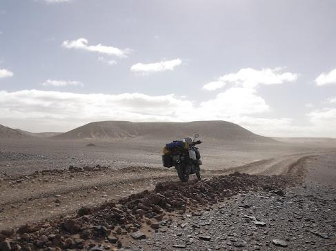 Marrocos e Mauritãnia a Queimar Pneu e Gasolina - Página 9 DSCF1060