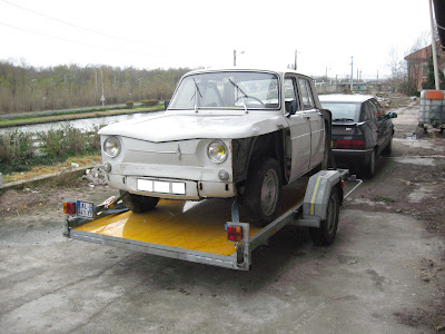 Restauration renault r8 auto d 39 antan 54 - Garage restauration voiture ...