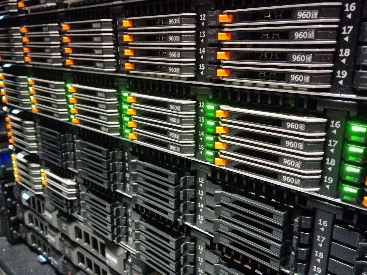 Picture of Dell R630, 24x 960GB SSDs in 1U chassis